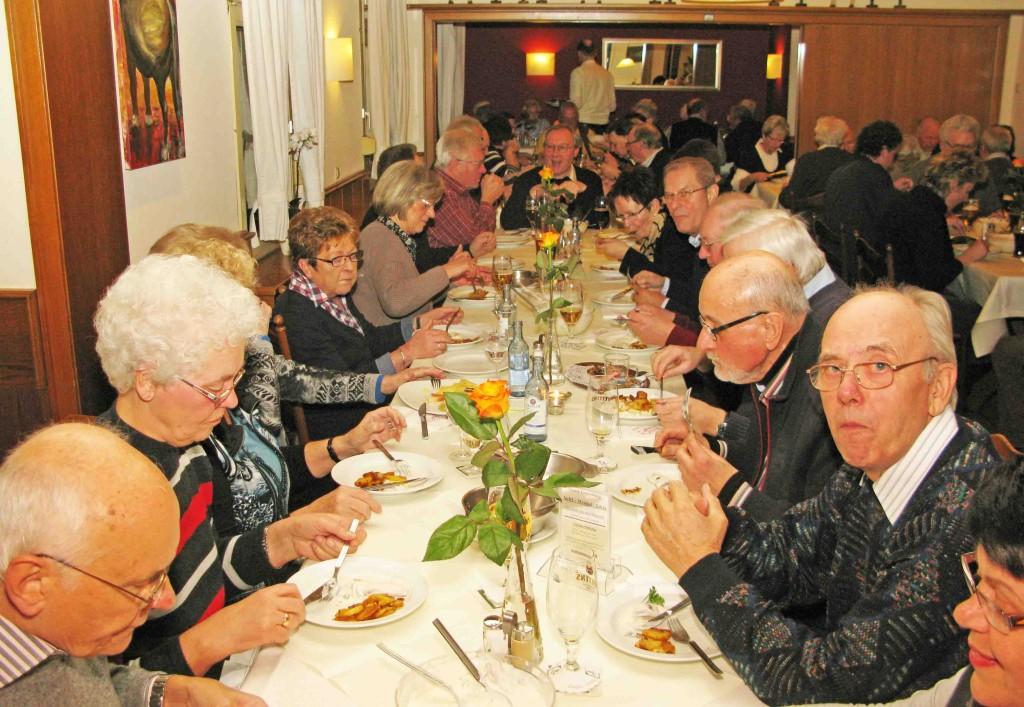 Bei Mölder veranstaltete der MGV Gahlen-Dorf sein Heringsessen. Foto Bosse