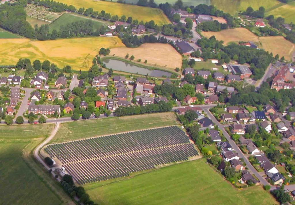 Luftbild Nr. 08 Nr. 01, 27.07.2010 IMG_3716a, Fotovoltaik, Lohstege