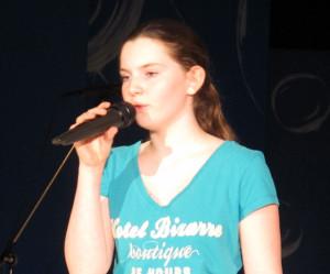 """Klara Kästner rief das von Norman Gimbel und Richard Fox vor mehr als vier Jahrzehnten geschriebene Lied """"Killing me softly"""" in Erinnerung."""
