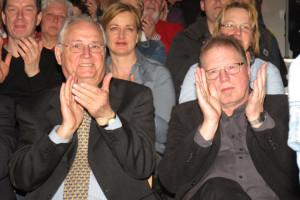 Der stellvertretehde Bürgermeister Engelbert Bikowski zeigte sich zutiefst beeindruckt von dem musikalischen Können der Gesamtschüler. Foto Scheffler