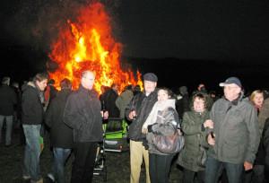 Das Gahlener Osterfeuer war in diesem Jahr gut besucht. Foto Scheffler