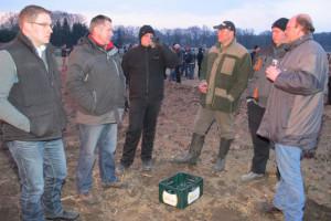 Die Brichter Schützen organisierten das Osterfeuer am Vossenbergweg. Foto Scheffler