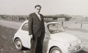 Vor 1962 muss diese Aufnahme entstanden sein, weil man noch nicht vor der abgebildeten Brücke Bauteile der im Jahre 1962 begonnenen Nachfolgerbrücke erkennen kann. Foto im Besitz der Familie Biedermann
