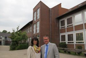 Schulleiter Norbert Hohmann und die stellvertretende Schulleiterin Kerstin Niklas-Janas leiten das 97-köpfige Lehrerteam der Schermbecker Gesamtschule. Foto Scheffler