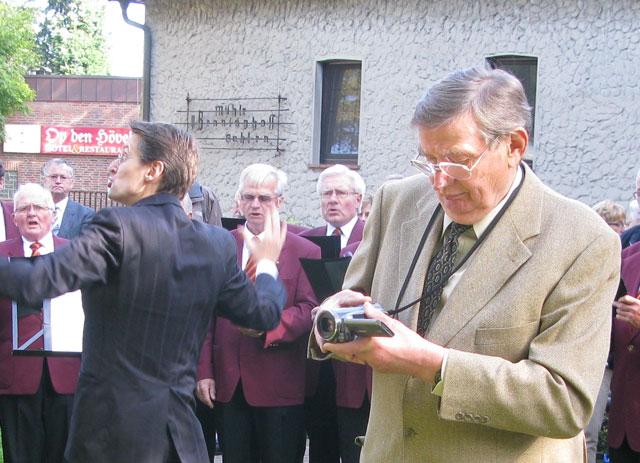 Siegfried Biedermann ist d e r Heimatfilmer des Lippedorfes Gahlen. Foto Scheffler
