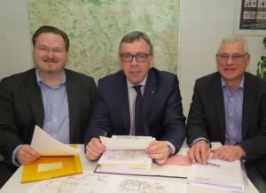 CDU-Gemeindeverbandsvorsitzender Christian Hötting, CDU-Fraktionsvorsitzender Klaus Schetter und CDU-Ratsmitglied Rainer Gardemann (v.l.) stellten die Ergebnisse der Klausurtagung zum Haushalt 2014 vor. Foto Scheffler