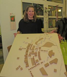 Für die bisherige Freifläche westlich des Parkplatzes am Rathaus (Bildmitte rechts) hat die Schermbeckerin Julia Schiewer einen Entwurf für eine Bebauung vorgelegt, die sich für das Wohnen von Generationen eignet. Foto Scheffler