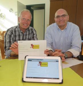 SPD-Vorsitzender Jörg Juppien und Bürgermeisterkandidat Ralph Brodel (v.l.) stellten am Montagabend die Fragebogenaktion der SPD vor. Foto Scheffler