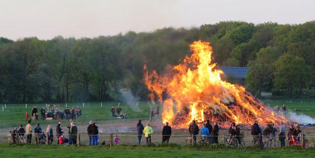 Brichter Osterfeuer