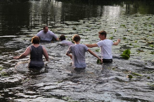 Bestrafung - Schwimmen im Mühlenteich in Schermbeck - Kilian 2014