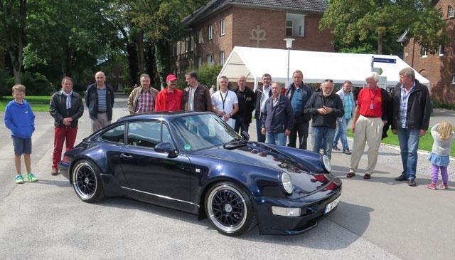 Sieger eines Fahrzeug-Schönheitswettbewerbs wurde Thomas Heimberg aus Krefeld mit seinem 20 Jahre alten Fahrzeug. Foto Scheffler