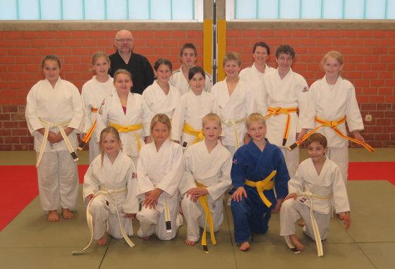 Im Anschluss an die Gürtelprüfungen in der Turnhalle des TuS Gahlen wurden die erfolgreichen Prüflinge der Gahlener Judokas geehrt. Foto Scheffler