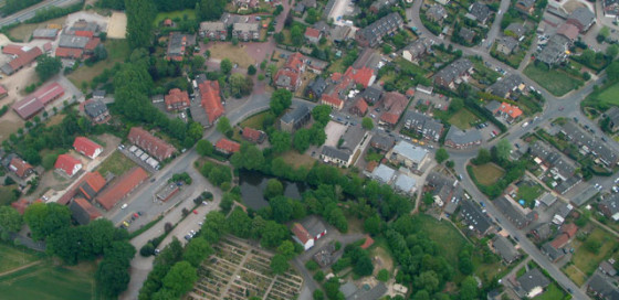 In diesem Foto stecken vier Fehler. Luftbild Scheffler, 6. Mai 2007
