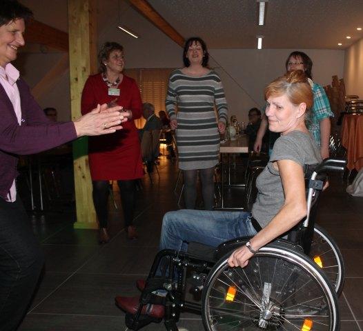 Margaret Majewski fand genügend Platz ihrem Rollstuhl auf der Tanzfläche