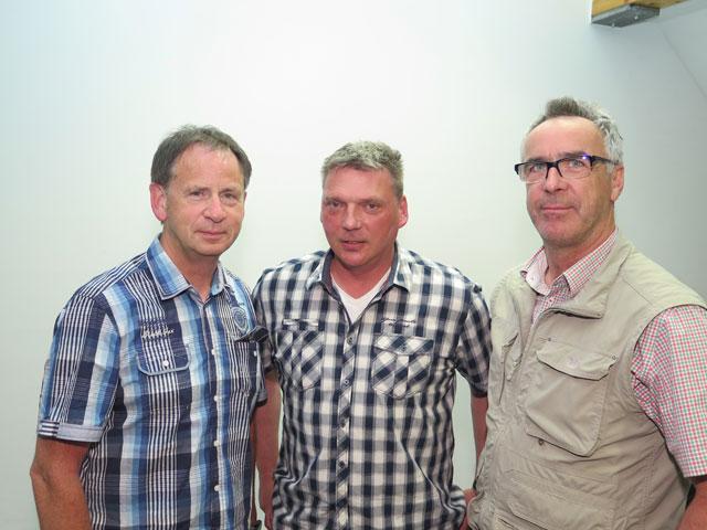 Zum Vorstand gehören auch Ralf Halfmann, Wolfgang Paul und Hienz Schulze (v.l.). Foto: helmut Scheffler