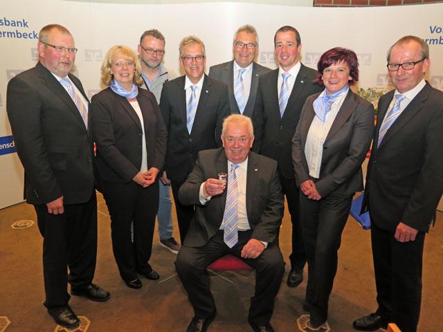 Zu den ersten Gratulanten gehörten Aufsichtsrats- und Vorstandsmitglieder (v.l.)