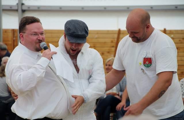 Bestrafung beim Bataillonsnachmittag der Schermbecker Kilianer 2015