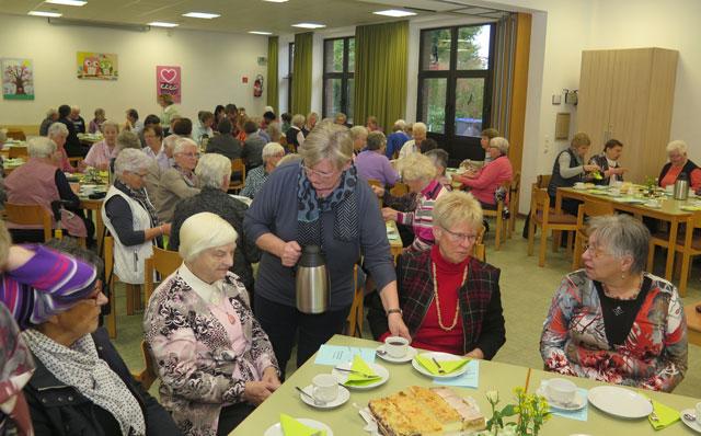 Das achte ökumenische Frauentreffen fand im Gemeindehaus an der Kirchstraße statt. Foto: Helmut  Scheffler