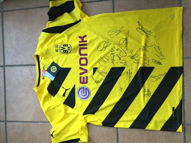 BVB Triko mit Unterschrift original (640x480)