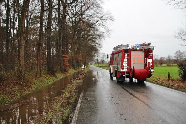 Feuerwehr Aquaplaning Dämmerwald (3)