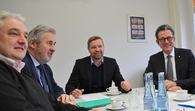 Bei der Pressekonferenz dabei waren Stefan Teuscher, Friedhelm Koch, Bürgermeister Mike Rexforth, Ingo Teimann und René Fuchs.