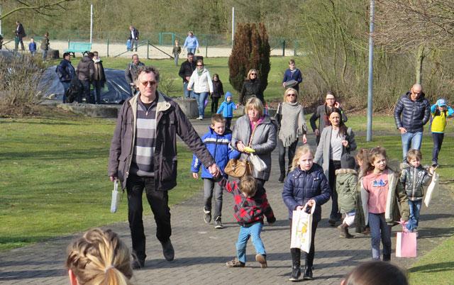 Zum neunten Male veranstaltete der TuS Gahlen ein Ostereiersuchen. Foto: Helmut Scheffler