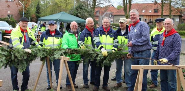 Eine muntere Truppe -die Rentnerband des Heimatverein Gahlen.