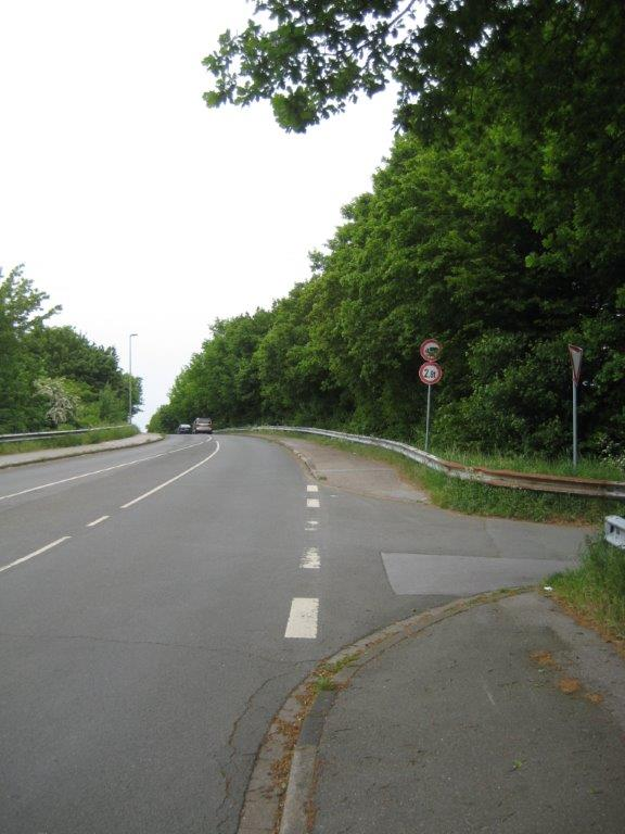 B 58 in den Kapellenweg