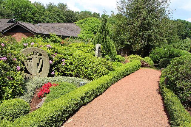 Karmeliter-Kloster Marienthal Hamminkeln historischer Friedhof (1)