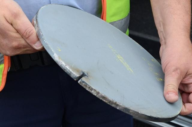 Eisenplatte führte zum Unfall auf A31 (640x425)
