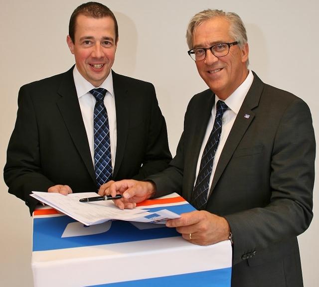 Vorstand Volksbank Schermbeck Rainer Schwarz und Scholtholt (640x576)