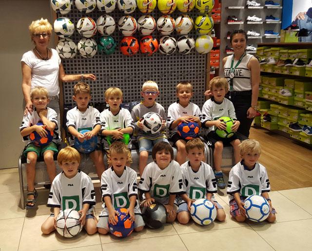 v.l. hinten: Miguel, Meron, Jano, Liam, Alexander, Ole - vorne: Mats, Maximilian, Bengt Ingmar, Jano und Levi