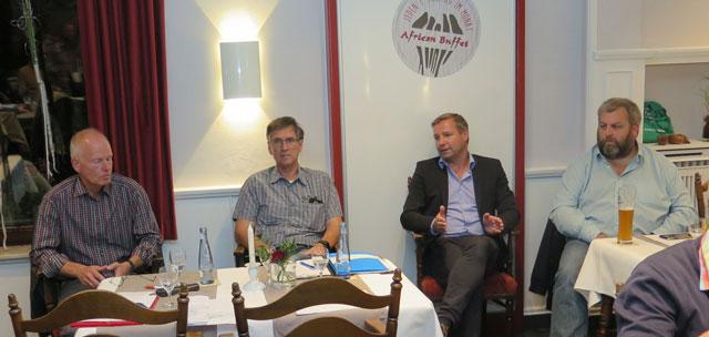 Als gesprächspartner standen bereit (v.l.): Jörg Juppien, Güntrher sprenger, Bürgermeister Mike Rexforth, Michael Leisten. Foto: Helmut Scheffler