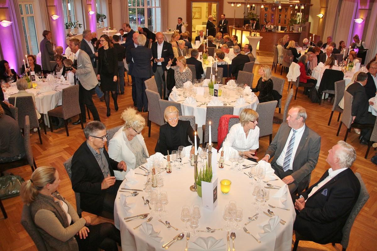Erfolgreicher Benefiz-Abend im Voshövel mit Justus Frantz