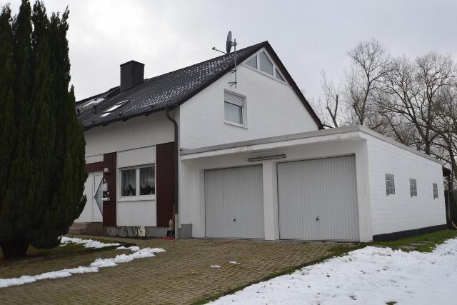 doppelhaush lfte mit gro er garage in schermbeck gahlen schermbeck online. Black Bedroom Furniture Sets. Home Design Ideas