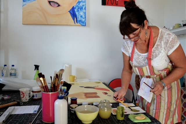 Marion Schwarz malt, was sie sieht