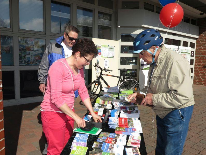 Infostand Fahrradfahrer bei Schermbeck.Rundum