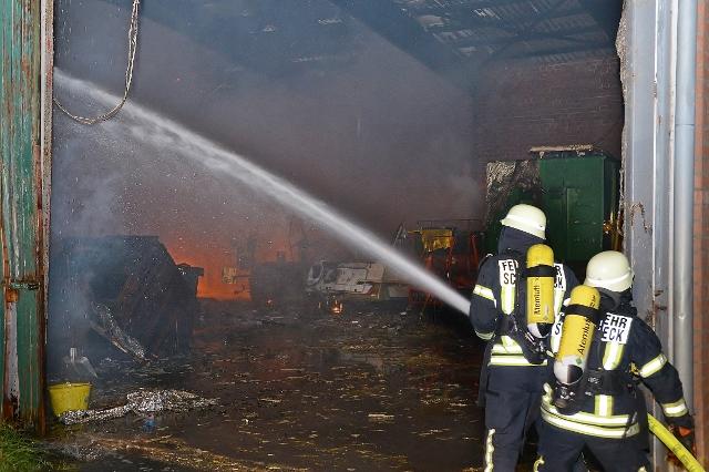 Nächtlicher Scheunen Brand auf dem Lühlerheim Gelände