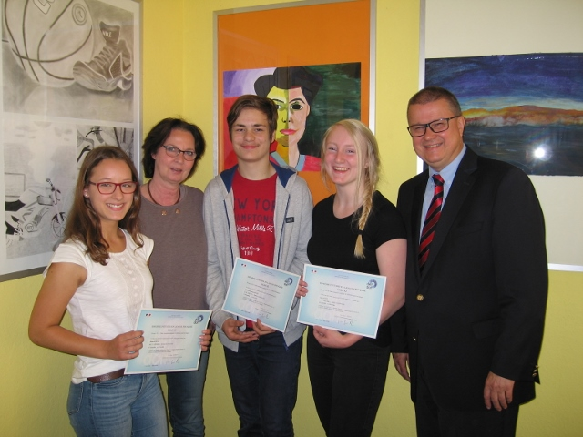 DELF-Sprachdiplome für Schülerinnen der Gesamtschule Schermbeck 2018