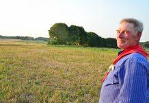 Landwirt Heinrich Nyken Weselerwald wartet auf Regen