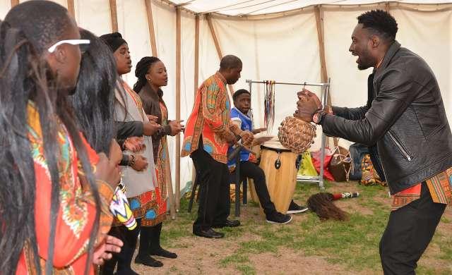 Schermbeck Das Afrika-Fest Ngoma vereint Farben, Klänge und köstliches Essen zu einem sinnlichen Gesamtkunstwerk Afrika am Niederrhein.