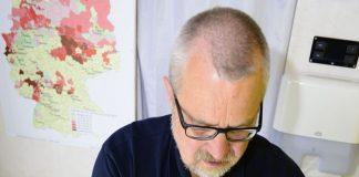 Harald-Gülzow-beim-Analysie