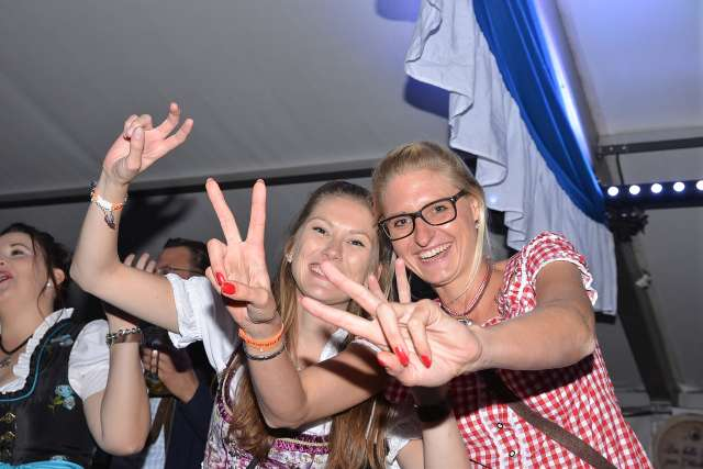 Oktoberfest Schermbeck 2018 im vollem Festzelt