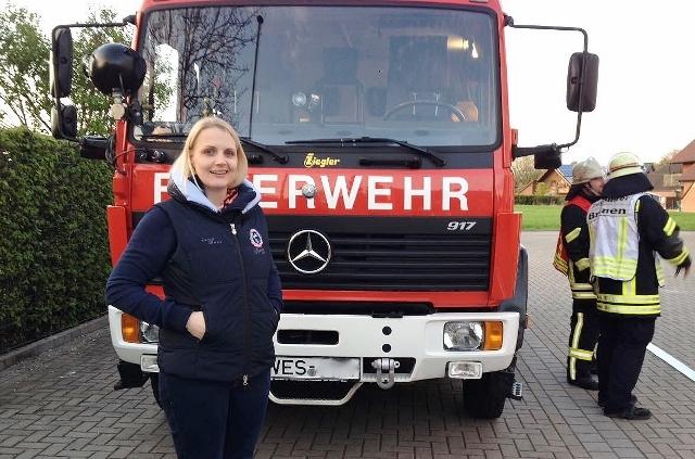 Charlotte Quik bei der Feuerwehr