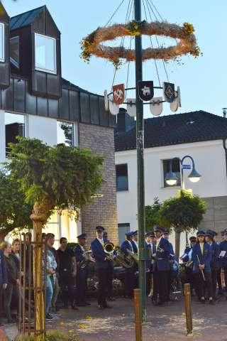 Erntekranz hochziehen Heimatverein Schermbeck 2018