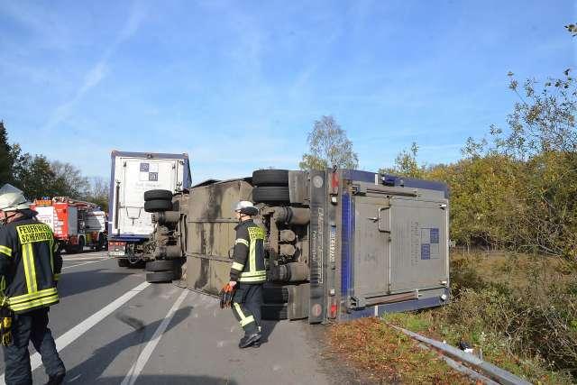 Unfall mit Viehtransporter B224 in Schermbeck