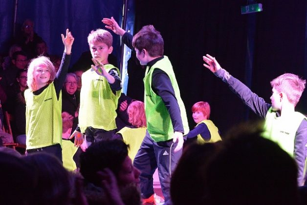 Manage frei-Zirkus zappzarap in der Maxe Kolbe Schule Schermbeck