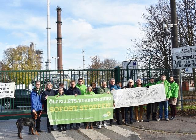 Bündnis 90 die Grünen bei der Demo vor BP