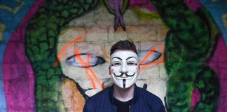 Anonymer Hacker im Netz