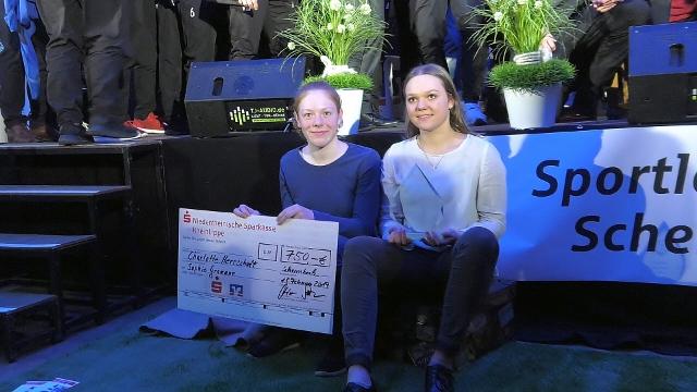 Charlotte Herrschaft und Sophie Gromann vom Wassersportverein sind Sportler des Jahres 2018_